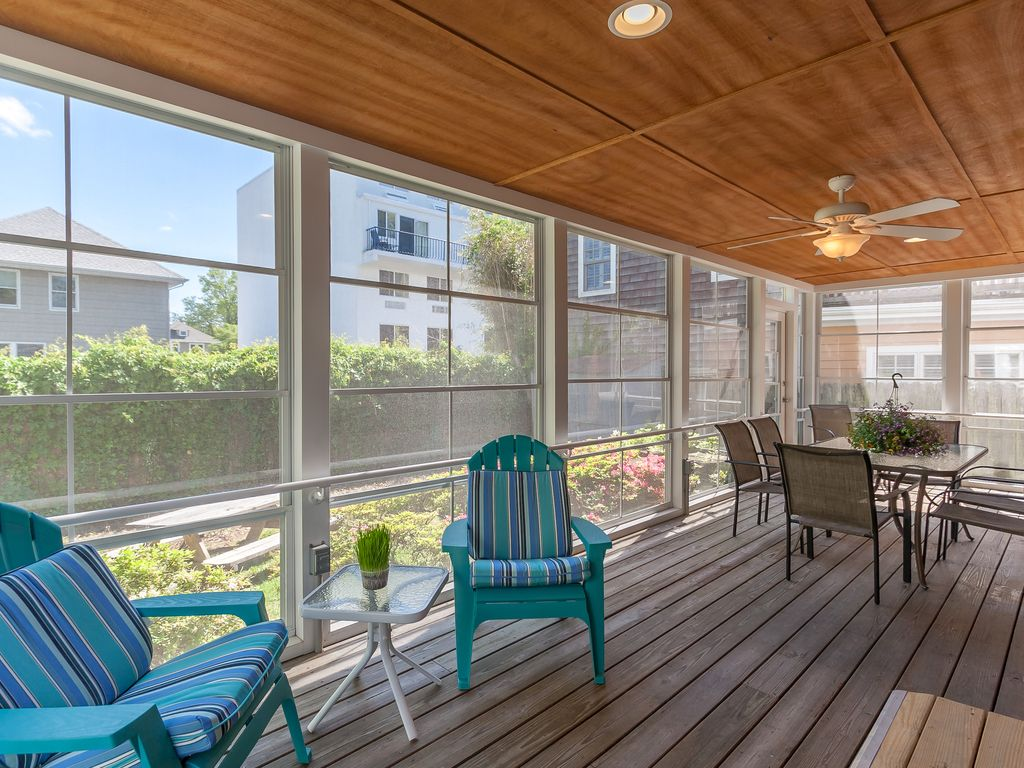 Beautiful handicap accessible rehoboth beach home easy for Handicapped accessible homes