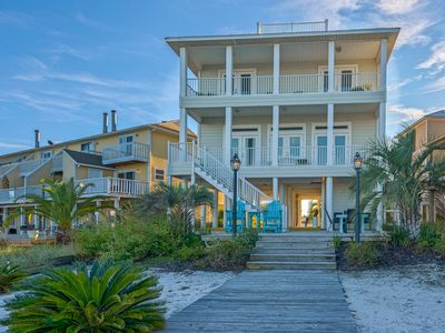 Photo for $275/nt Aug 23-27 + 5% Off 7Nt Stay* Luxury Waterfront Living, Boat Dock & Beach