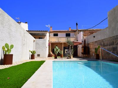 Photo for Quiet location in Petra, in the heart of Mallorca 20 minutes to the beach Playa de Muro