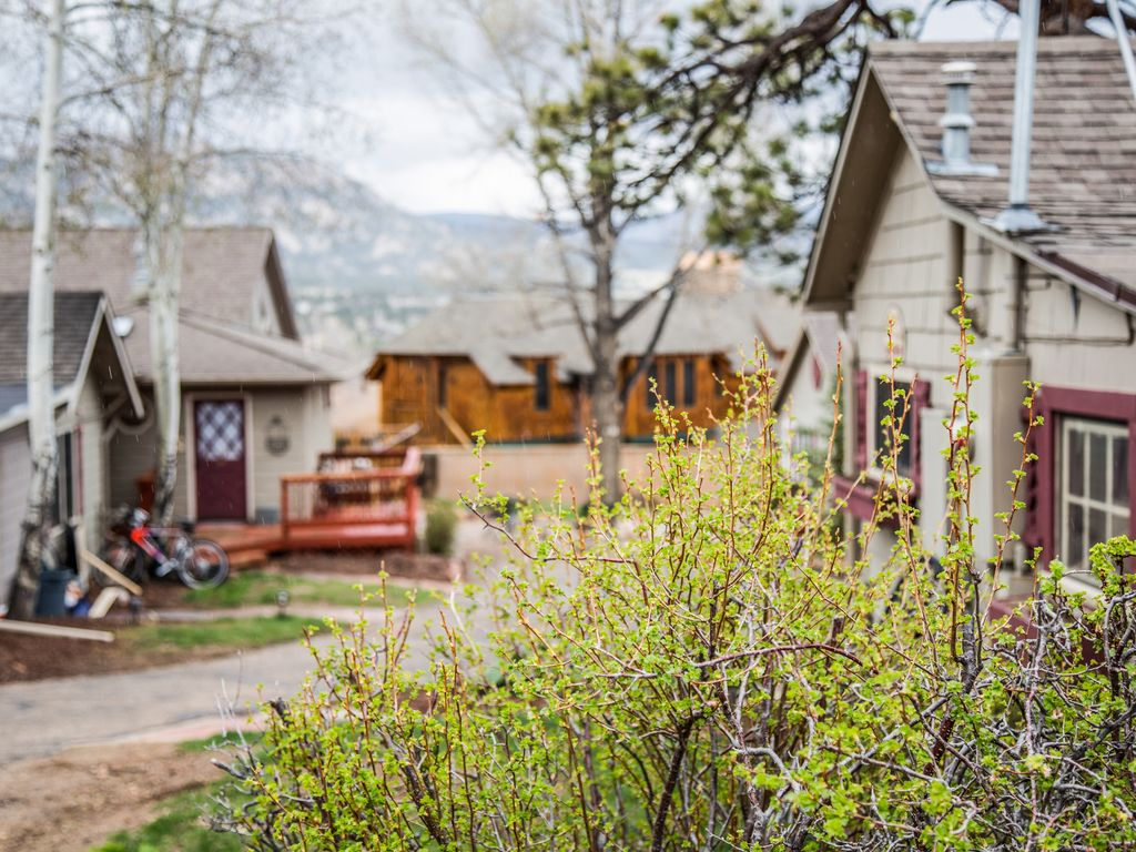 420 friendly sundance suite w mountain views dogs ok for Dog friendly cabins in estes park colorado