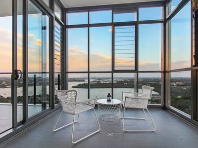 Photo for A Magnificent lofty 180º View of Sydney