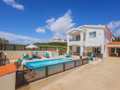 Photo for Coral Bay - 300m to Sandy Beaches and Restaurants - Private Pool - Wifi