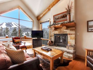 Peaceful Location with Impeccable Slope Views - Private Hot Tub!