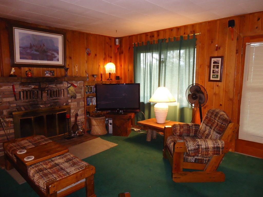 Living Room 1960 all wood 1960 cabin--charming, quiet, isola - vrbo