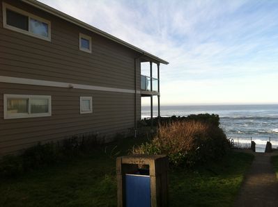 Side view of house from walkway to beach.