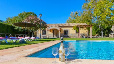 Photo for Rustic-style villa with fantastic outdoor area in Ronda