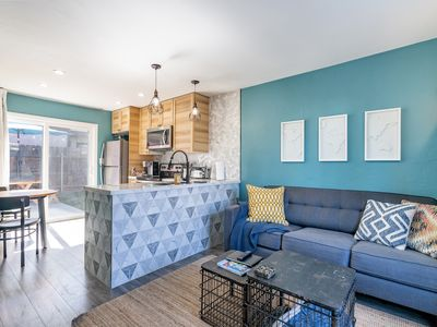 Beautifully Remodeled Unit in The Heart of San Diego with FREE Parking