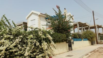 Beautiful 3 bedroom villa just 7 minutes walk from the famous Nissibeach