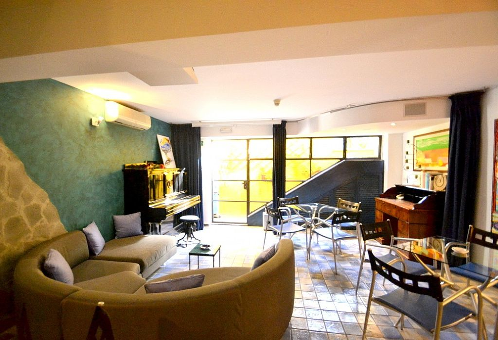 Property Image Casa Ntoni A Is A Modern And Graceful Apartment Situated At A