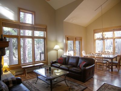 Photo for 3BR 3BA Condo Decks With Forest View Hot Tub And Sauna In Complex!