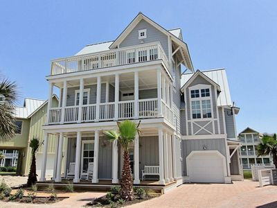 Roll in on Family Tides, beautiful architecture, great location!