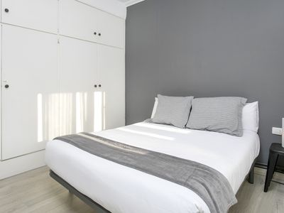 Photo for Sunny flat in vibrante Gracia
