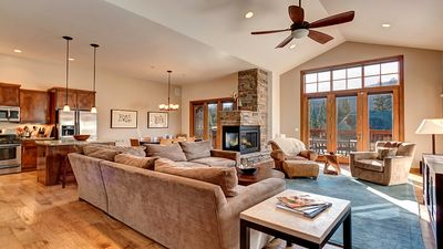 Photo for Contemporary Mountain Retreat in Timber Creek Estates