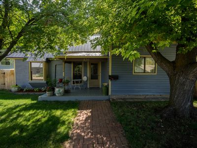 Photo for Victorian Charmer—Close to Downtown & Hot Springs