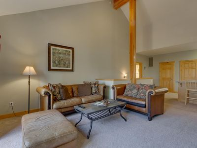 Photo for Skislope Chalet in Truckee-sleeps 10, centrally located in Tahoe Donner