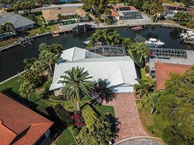 Photo for Luxury Siesta Key Private Canal Home