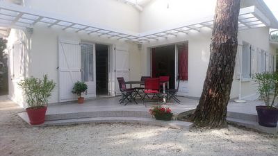 Photo for Quiet villa at 150m beach for 6/8 between Royan and Palmyre Zoo, linen provided