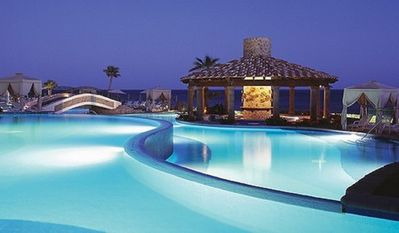 Beautiful Beachside Pool with Swimup Bar/Dining