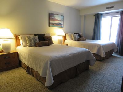 Photo for Hotel/Eff. - Main St/Town lift/Pool/Hot tubs/Comfort/Service/Cleanliness/Value