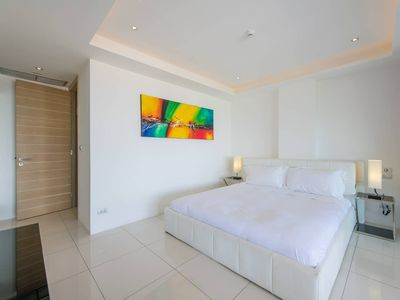 Photo for Luxury Fully-Furnished 2-Bdr with Full Sea View