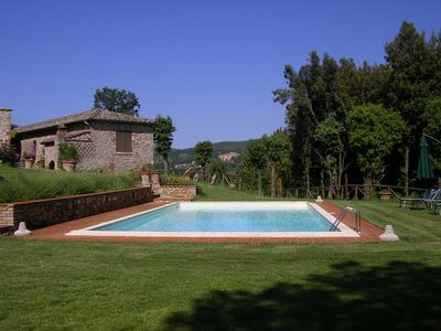 Photo for Raspberry Cottage, in the green TOSCANA, pool, a stone's throw from Siena