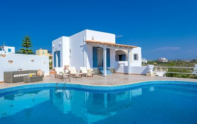 Photo for 3-bedroom PRVT Pool Villa with panoramic sea view