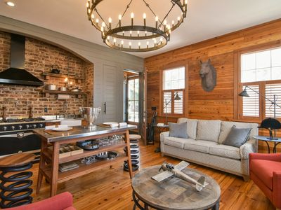 Timeless Renovated in Downtown Charleston