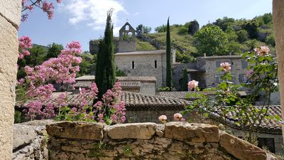 Photo for Beautiful renovated cottage in 12th century village - Panoramic terrace