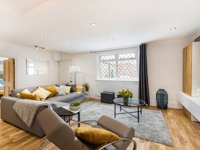 Photo for Modern Marylebone Mews Apartment with Complete Amenities