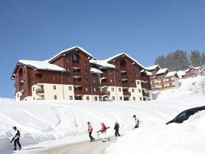 Photo for Apartment sleeps 8 at the foot of the slopes