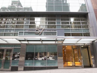 Photo for Hilton West 57th Studio with owner lounge access