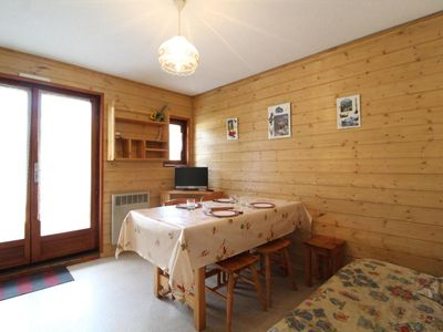 Photo for Surface area : about 23 m². Orientation : West. Living room with bed-settee, TV