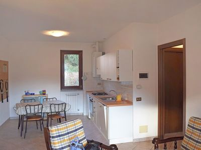Photo for Cosy apartment for 4 people with pool, TV, balcony and parking
