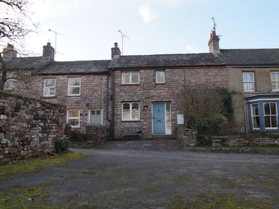 Photo for Charming,  cosy cottage. Family and dog friendly.