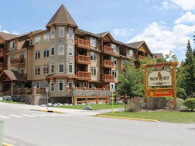 Photo for Inviting Rocky Mountain Condo In Top Rated Resort