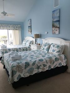 Blue Bedroom w/ 2 Queen beds and flat screen TV w/ cable - Ocean View