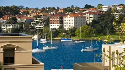 Photo for 2 BED HARBOUR VIEWS KIRRIBILLI