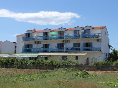 Photo for One bedroom apartment with balcony and sea view Sućuraj, Hvar (A-3589-a)