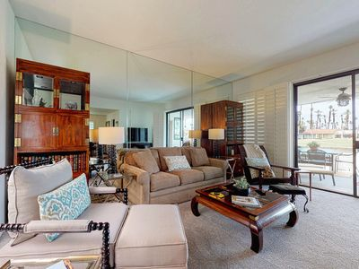 Photo for Beautiful condo on golf course with shared pool/spa & mountain views