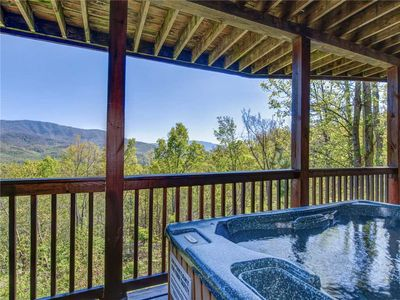 Photo for On Eagle's Wings, 2 Bedrooms, Sleeps 8, Hot Tub, Theater, Pool Access