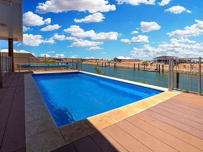 Photo for Loaded with extras like swimming pool, free Wifi and Foxtel.