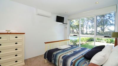 Photo for Stylish Apartment Close to Beaches and on Jervis Bay