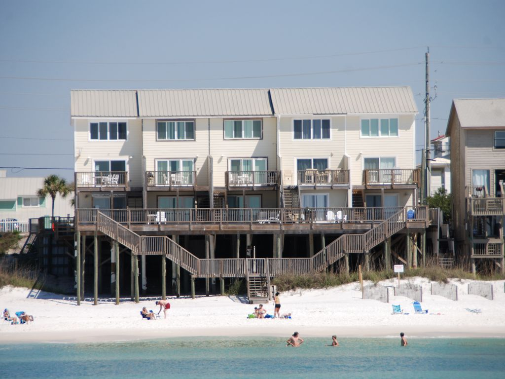 Summerhaven 2 gulf front miramar beach vrbo for 9 bedroom rental destin florida