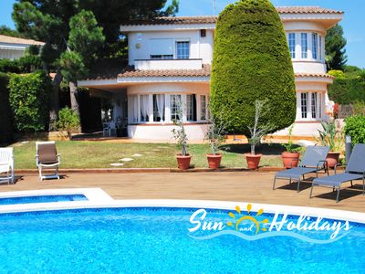 Photo for Villa Evelina for 9 people with 4 bedrooms, 3 bathrooms 400m from the beach