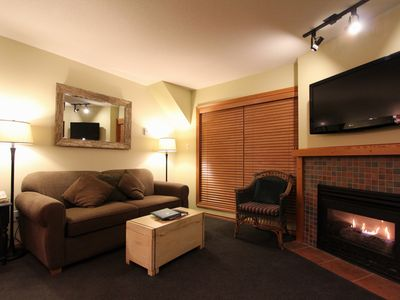 Glaciers Reach #66  2 Bedroom with Kitchen, Fireplace and Private Hot Tub