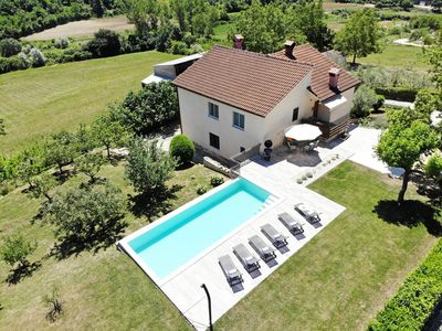 Photo for Holiday home with private pool and garden in central Istria