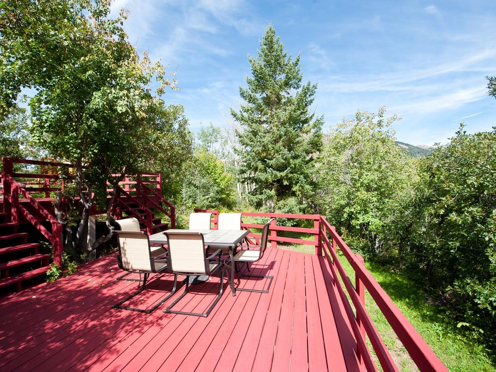 Colorado Cabin On Acreage   Great Views   River Nearby   Pool Table