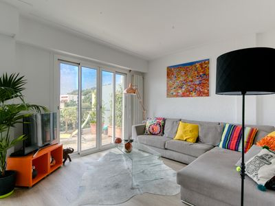 Photo for Stunning apartment with terrace