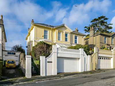 Photo for The Birches - Luxurious Villa (Torquay)