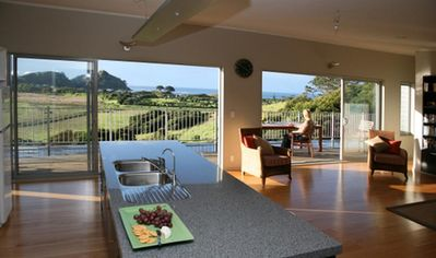 Photo for Medlandsview Beachhouse (Luxury with sea view)